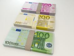 Stack of money. Euro 100 200 500 - stock illustration