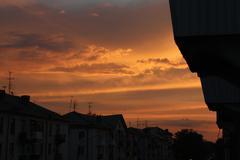 Sunset lightens old houses Kuvituskuvat