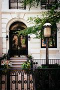 Townhouse along 23rd street in chelsea, manhattan, new york. Stock Photos