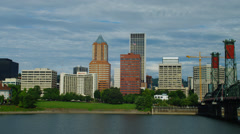 View of skyscrapers and Hawthorne bridge in Portland Stock Footage