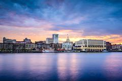 Savannah, georgia riverfont skyline Stock Photos
