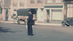 Vendôme 1949: policeman driving the traffic Stock Footage