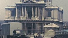 Paris 1949: traffic in front of Hôtel des Invalides Stock Footage