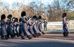London - january 2: musicians playing march on ceremony of changing of the guard Stock Photos
