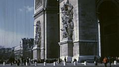 Paris 1975: people visiting Arc de Triomphe Stock Footage