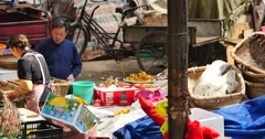 4k variety of fruits in trade market,Shangri-La,china. Stock Footage