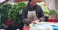 4k closeup variety of fruits in trade market,Shangri-La,china. Stock Footage