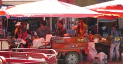 4k Large busy farmers market in Shangri-La yunnan china. Stock Footage
