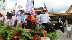 Cart parading at El Valle de Anton streets Stock Footage