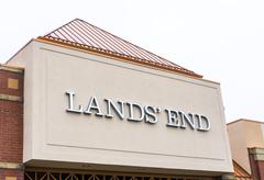 Land's end retail store exterior Stock Photos