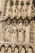 Statues to the left of the portal of the virgin, notre dame cathedral Kuvituskuvat