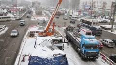 Crossroads on Schelkovskoe highway during snowfall. Stock Footage