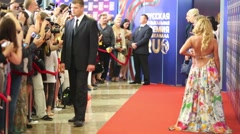 Security guard, photographers and Anita Tsoi on Red carpet Stock Footage
