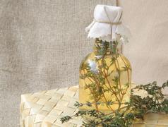 Thyme vinegar Stock Photos