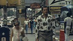 New York 1976: people walking in the street Stock Footage