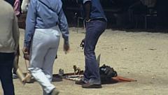 Paris 1978: hawkers at jardin des tuileries Stock Footage