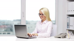 Smiling woman secretary with laptop and phone Stock Footage