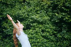 Freedom - Woman in Nature Kuvituskuvat