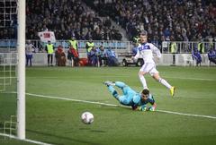 Dynamo Kyiv vs Besiktas Stock Photos