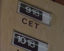 1980s Flip Clock CET flipping a leaf down, showing a new number for the minutes Stock Footage