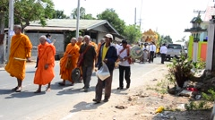 Monk and thai people join and pray in funeral ceremony Stock Footage