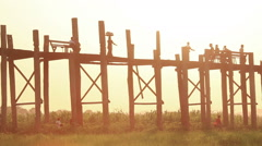 Sunset Amarapura, U Bein Bridge (Amarapura, Myanmar) Stock Footage