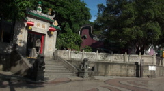Tourists through input the Door the A-Ma Temple, The Oldest Temple In Macau-Dan Stock Footage