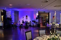 Wedding music band and beautifully laid tables Kuvituskuvat
