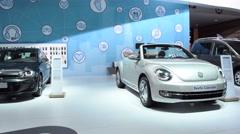 Volkswagen New Beetle convertible Stock Footage