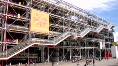 Centre Georges Pompidou, exposed skeleton Stock Footage