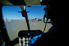 USA, New York, 29.03.2007: Views of Manhattan from the cockpit of the helicop Stock Photos