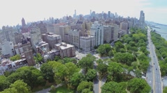 Traffic on Henry Hudson Parkway and crossroad of West 79th street Stock Footage