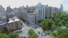 Traffic on crossroad of Riverside Drive with West 79th street Stock Footage