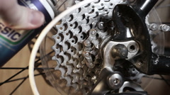 Lubrication of details of back mechanisms and tsepocha of the mountain bicycle Stock Footage