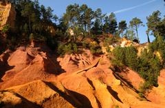 Lubéron, the Ochre Footpath in Roussillon - stock photo