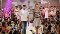 Girls models show the audience dresses during the fashion show. Stock Footage