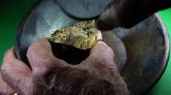 Rich gold ore, eureka I found it Stock Footage