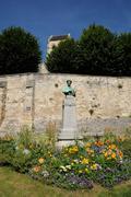 Statue of Daubigny in Auvers sur Oise Stock Photos