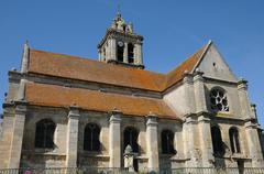 Ile de France, the old church of Epiais Rhus Stock Photos