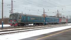 The station comes passazhisky eletropoezd Stock Footage