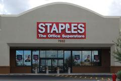Staples office supply store Stock Photos
