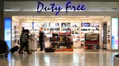 People inside duty free store in the Suvarnabhumi Airport. Bangkok, Thailand Stock Footage