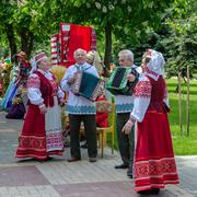 Speech of amateur ensemble in national Belarusian costumes Stock Photos