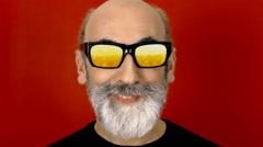 Hypnoglasses hide beer Stock Footage