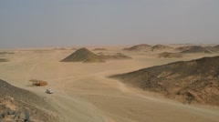 Jeep in the desert Stock Footage