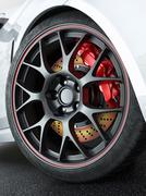 Car wheel with red-hot brakes Piirros