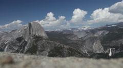 Half Dome in Yosemite Parc in California Stock Footage