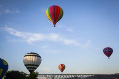 Hot Air Balloons in Flight over Bridge Kuvituskuvat
