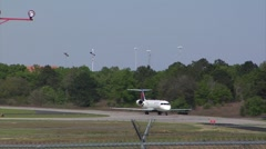 Airplane-7 jet, commercial, Delta MD88 taxi, stop & final check Stock Footage