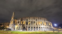 Colosseum at night. Zoom. Rome, Italy. Time Lapse. 1280x720 - stock footage